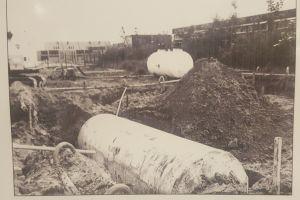ingraven tanks voor benzine station